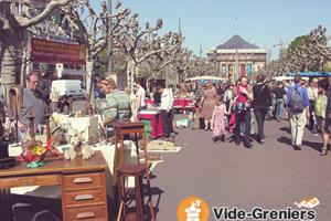 image - Brocante de la Place Broglie - Marché vintage et design