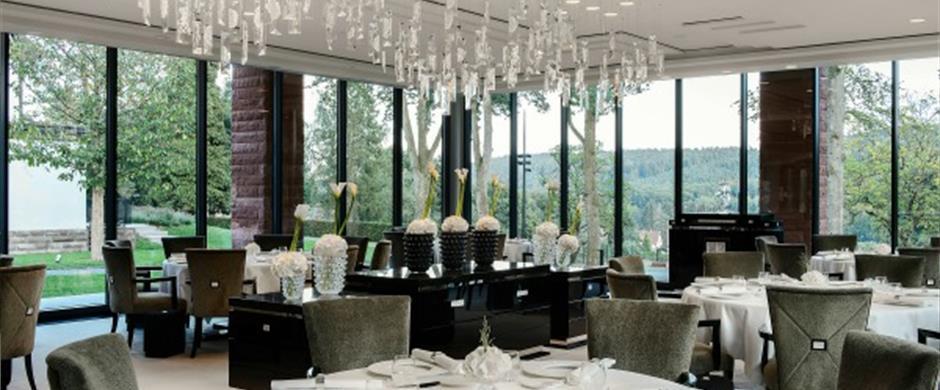 restaurant villa ren lalique. Black Bedroom Furniture Sets. Home Design Ideas