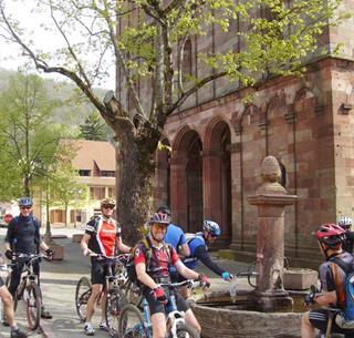 Mountainbiken vor der Lautenbachschule