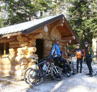 Mountainbiken vor dem Tal von Pâtre