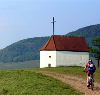 Mountainbiking nearby the Bollenberg chapel